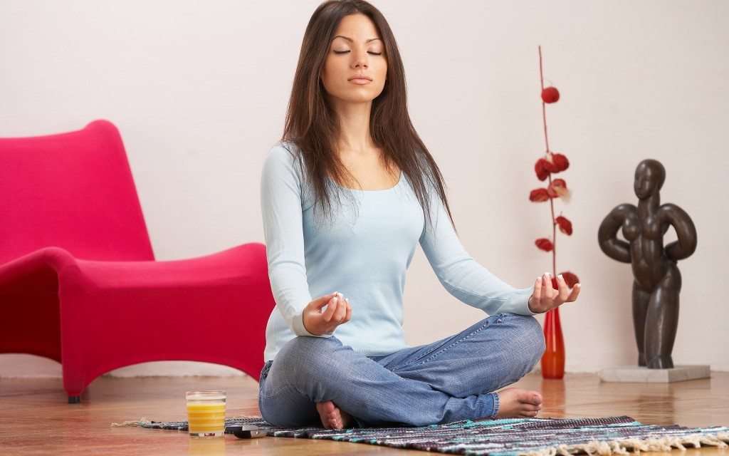 girl_brunette_meditation_room_cozy_25172_2560x1600