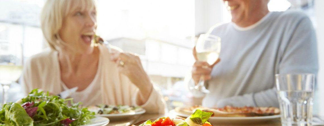 Articol Cum și ce trebuie să mănânci pentru a încetini îmbătrânirea - Tehnologie pentru viață