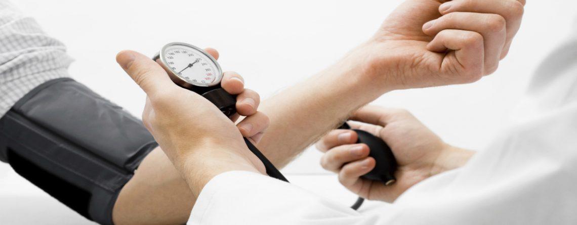 Articol Dincolo de medicaţie, ce trebuie să facem când suferim de hipertensiune? - Tehnologie pentru viață